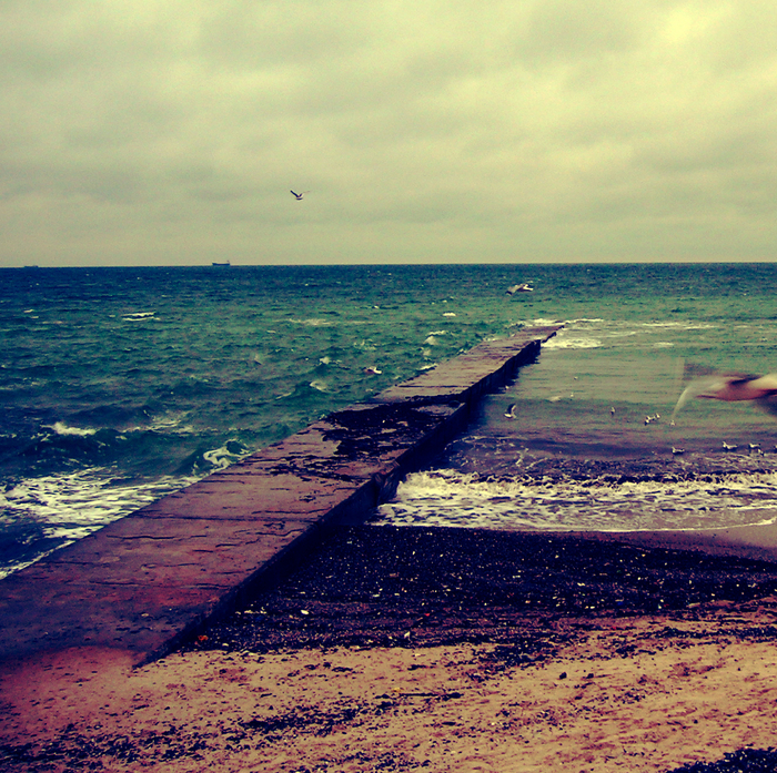 море, старый пирс одесса, осеннее море