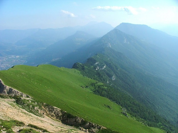 Доломити-ди-Брента 23740