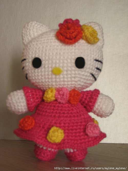 раз я вязала Hello Kitty
