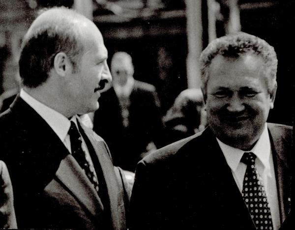 Президент Белоруссии Александр Лукашенко и Российский сенатор Николай Максюта. Фото Игоря Гольдберга