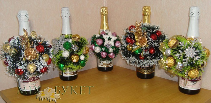 декор бутылки шампанского конфетами<br />