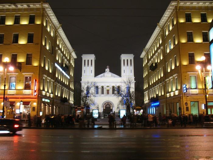 С.-Петербург, на Невском проспекте.