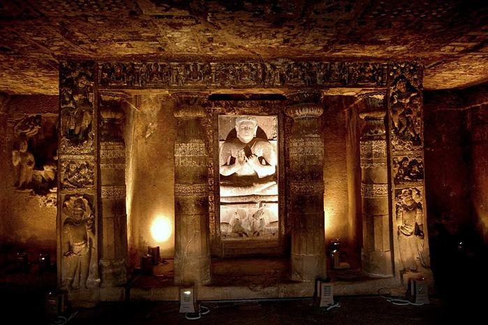 Фрески Аджанты - История на каменных сводах 75043