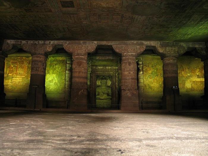 Фрески Аджанты - История на каменных сводах 16406