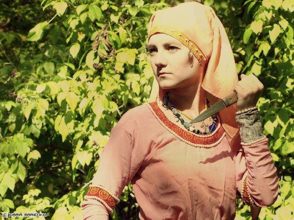 Дарья палей фото платье с желтой бахромой