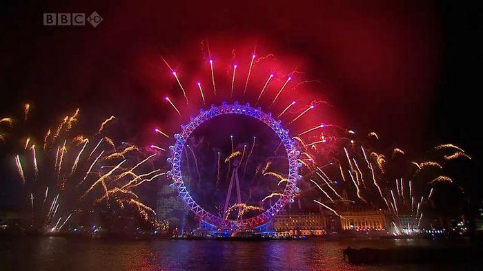Великолепный новогодний лондонский салют