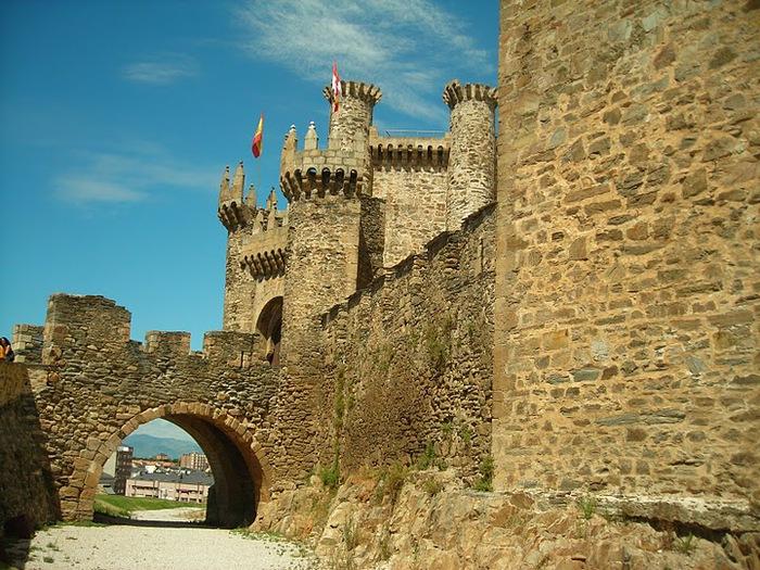 Понферрада (Castillo de Ponferrada) - Замок тамплиеров 63997