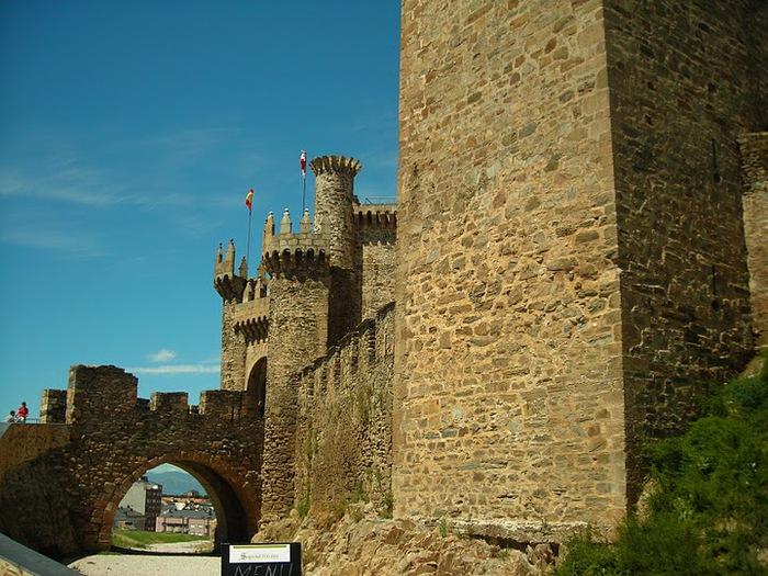 Понферрада (Castillo de Ponferrada) - Замок тамплиеров 56149