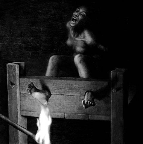 пытки ступней парню