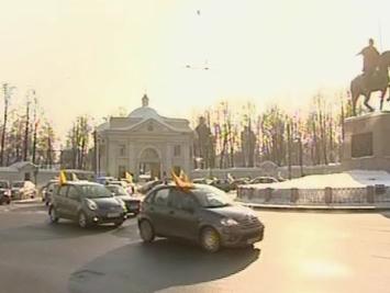 Петербурженки привлекли внимание мужчин автопробегом