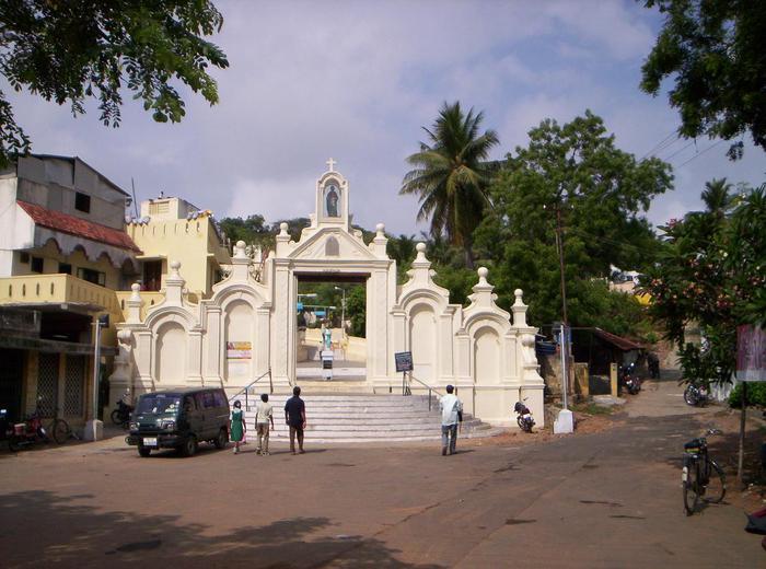 Индия Чэннаи Церковь апостола Святого Фомы (Томаса) на горе святого Фомы
