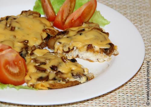 Тилапия (телапия) с грибами под сыром