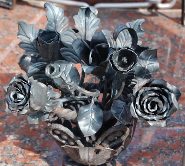 Кованые цветы купить в донецке цветок в горшке в подарок женщине стихи