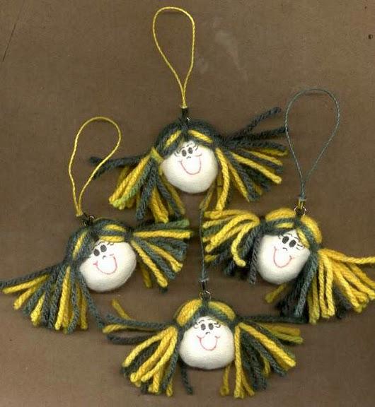 sewing key chain: felt dolls