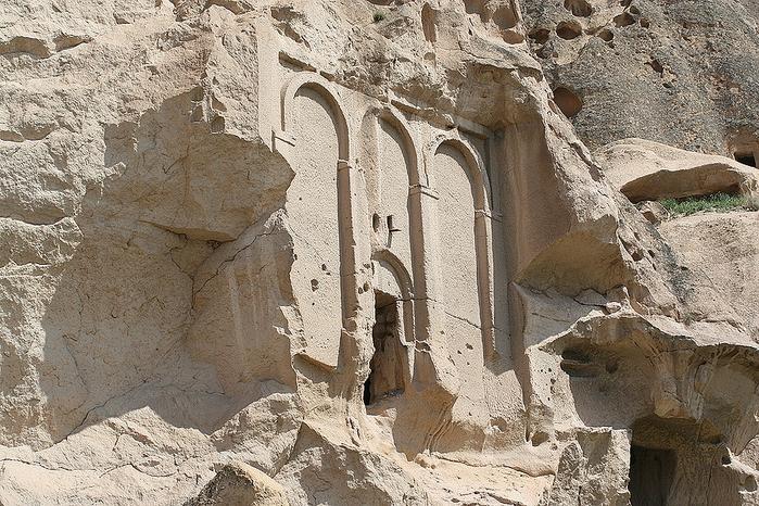 вырубленный в скалах - монастырь Селиме (Selime) 18149