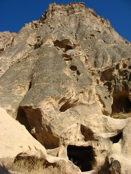 вырубленный в скалах - монастырь Селиме (Selime) 20027