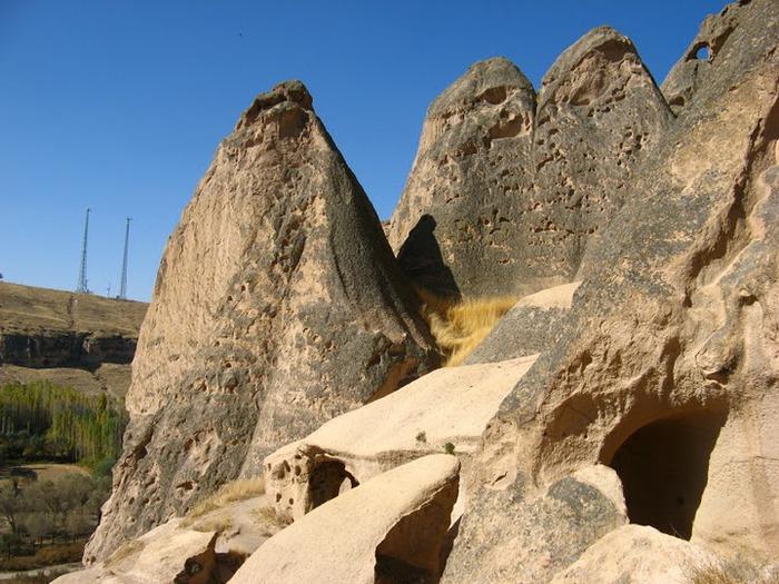 вырубленный в скалах - монастырь Селиме (Selime) 34013