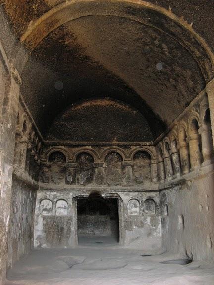 вырубленный в скалах - монастырь Селиме (Selime) 19311