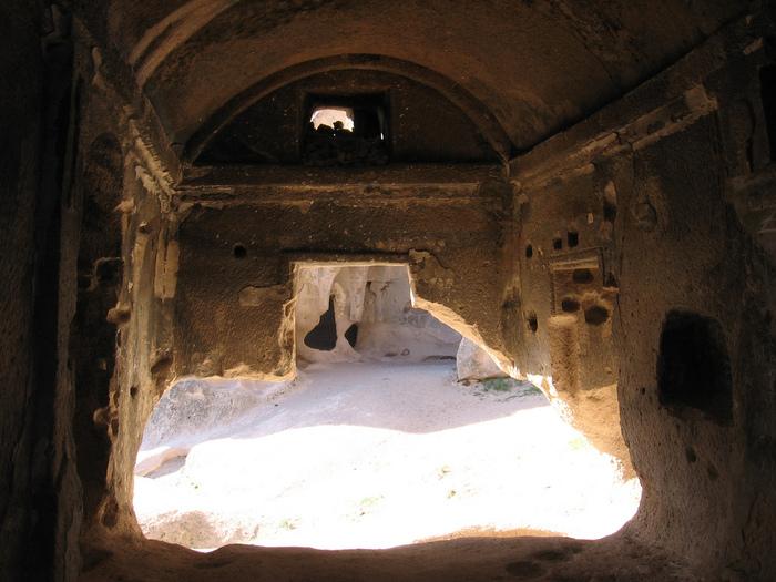 вырубленный в скалах - монастырь Селиме (Selime) 44236