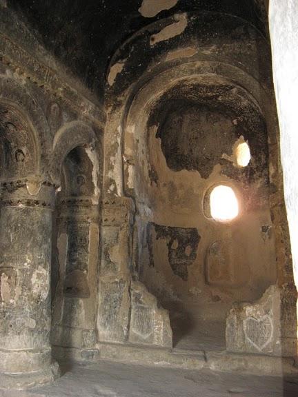 вырубленный в скалах - монастырь Селиме (Selime) 39963