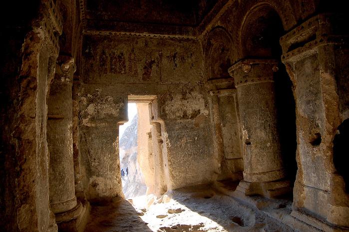 вырубленный в скалах - монастырь Селиме (Selime) 57249