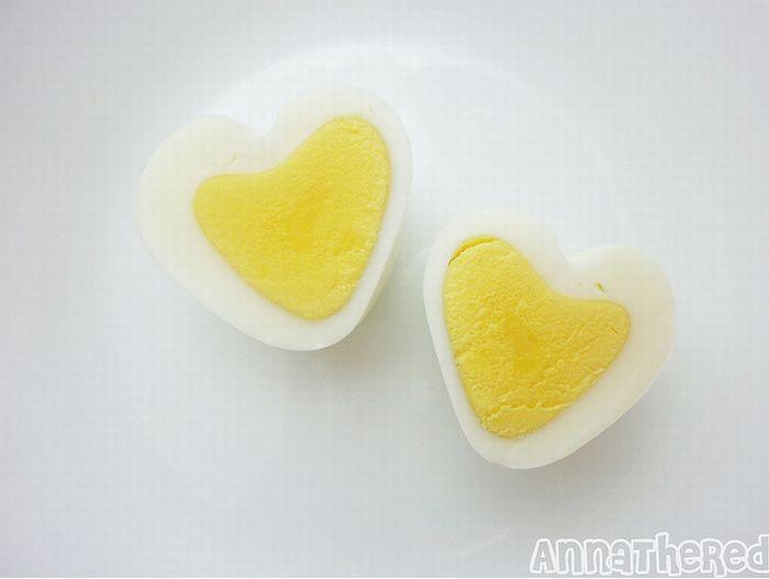 Крутое яйцо в форме сердечка