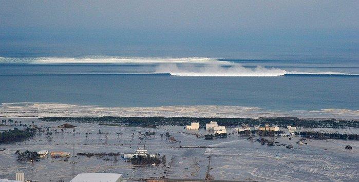 землетресение в японии, цунами в японии