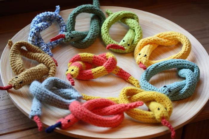 Вязаные змейки