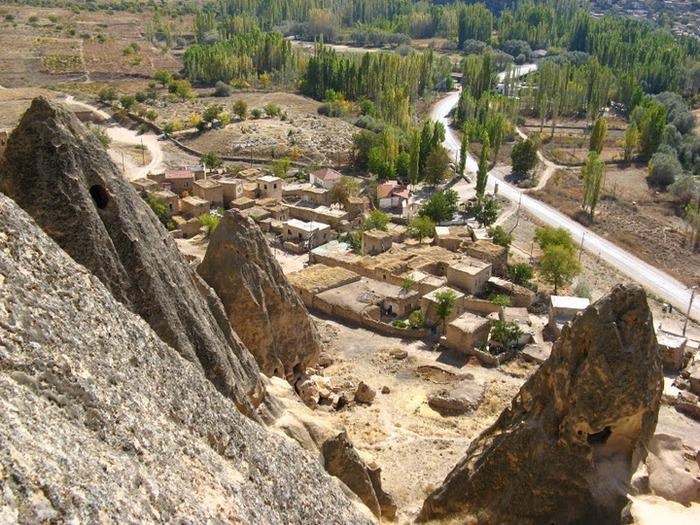 вырубленный в скалах - монастырь Селиме (Selime) 58395