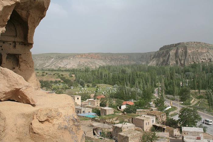 вырубленный в скалах - монастырь Селиме (Selime) 19780