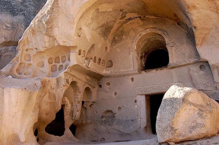 вырубленный в скалах - монастырь Селиме (Selime) 60578