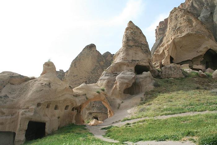 вырубленный в скалах - монастырь Селиме (Selime) 33587
