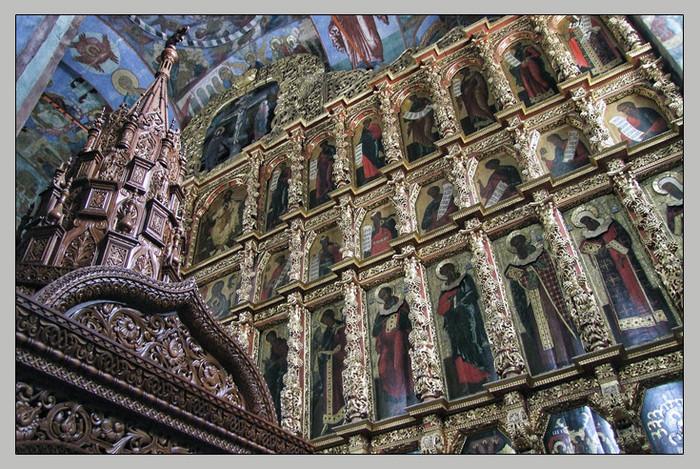 Фото Троицкого собора Ипатьевского монатыря. Иконострас