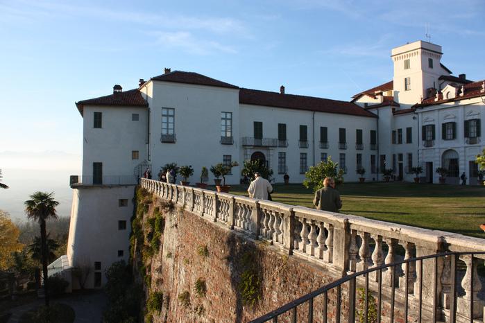 Замок г. Мазино - Castello di Masino, Italia 56062