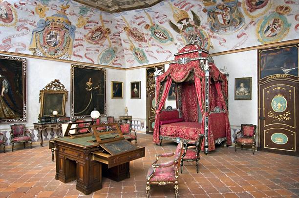 Замок г. Мазино - Castello di Masino, Italia 47580