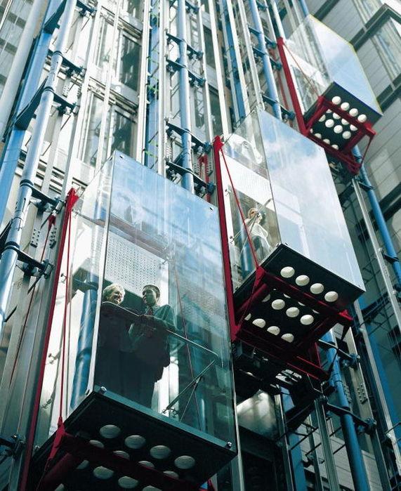 Кто имеет право зарабатывать на лифтах?