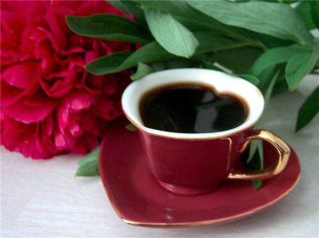 моё утро всегда начинается с чашечки этого ароматного напитка.