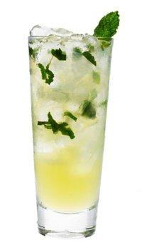 ...вода, содовая или тоник яблочный сок лед. drink-drink.ru.