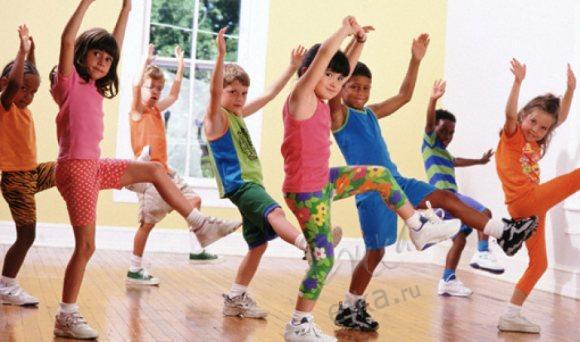 Очень интересная гимнастика для малышей-карапузиков в детском саду.  Такая зарядка в потешках, я уверена...