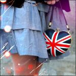 девушка, юбка, сумка, английский флаг.