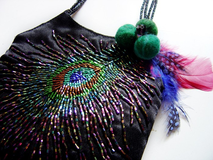 орхидея из бисера мастер класс. сумочки расшитые бисером. плетение из бисера серьги. букеты из бисера схемы.