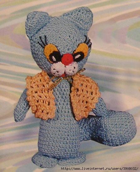 голубая кошка вязаная крючком.