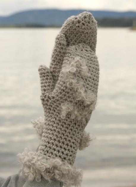 Как украсить варежки своими руками