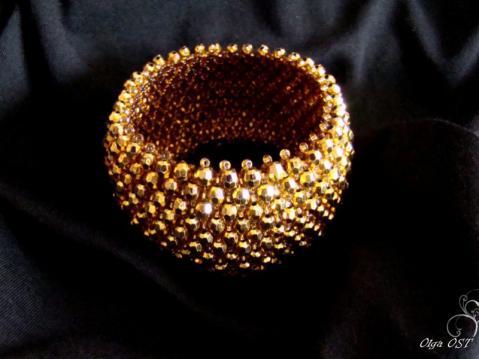 Браслетик - не простой, а золотой.  МК. www.biser.info/node/184999