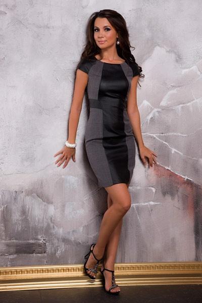 Фото девушек в деловом платье
