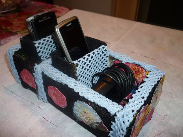 Как сделать подставку для телефона из коробки из под сока