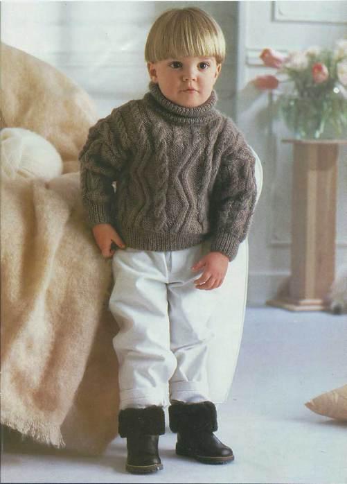Теплый и пушистый свитер для мальчика. http://www.liveinternet.ru/users/tanzja/rubric/1541394/page9.html.
