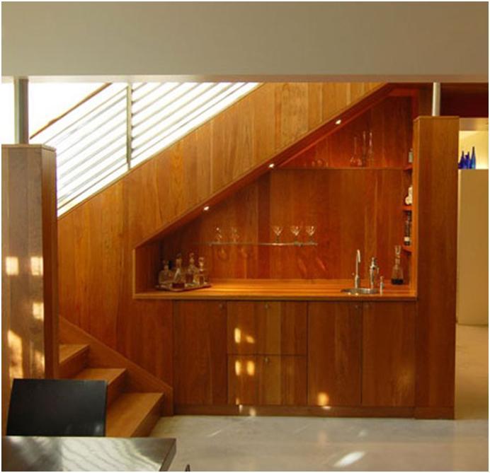 Пространство под лестницей дизайн фото