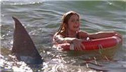 После целого ряда нападений акул на отдыхающих у берега египетскими...