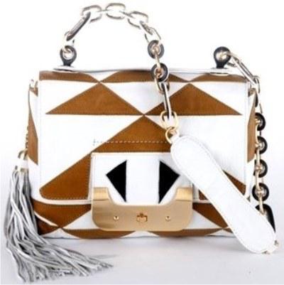 ...коллекции Chloe, созданной дизайнером Ханной Макгиббон.  SS 2011.